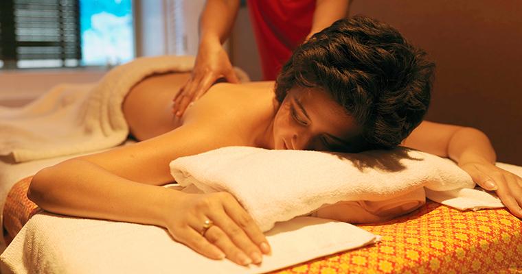 Oil / Aroma Massage