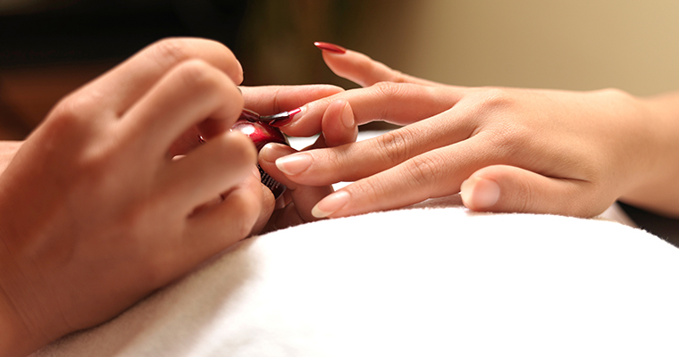 Manicure / Pedicure
